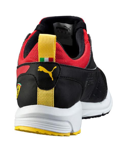 Ferrari_Pit_Lane_Black_bv